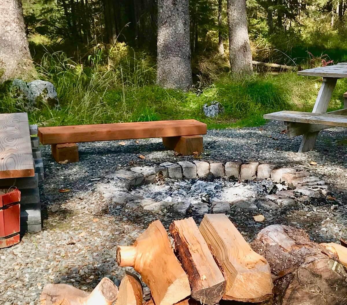 glacier-nalu-camping-juneau-camp-firwe