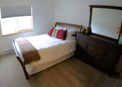 2 Bedroom Juneau Vacation Rental Queen Bed